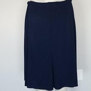 Travelsmith navy blue reversible stretch skirt-PL